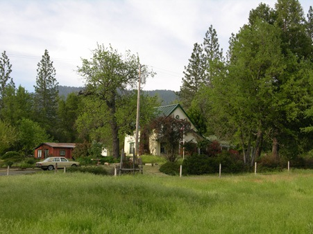 Meadow Creek Ranch Inn Bed and Breakfast Inn in Mariposa California near Yosemite National Park