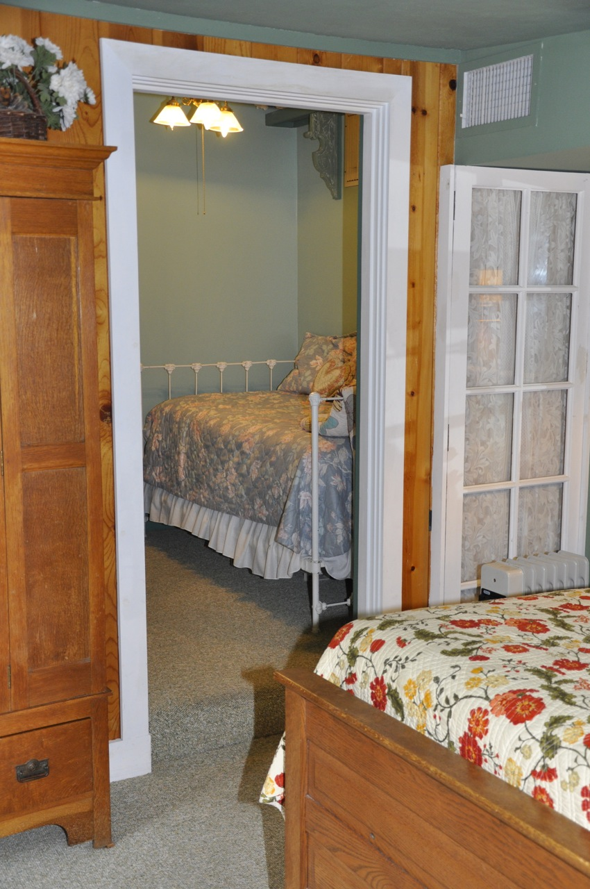 The Garden Gate room day bed  at Meadow Creek Ranch Inn in Mariposa California near Yosemite National Park